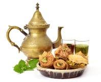 Tè e pasticcerie assortite della baklava fotografie stock libere da diritti