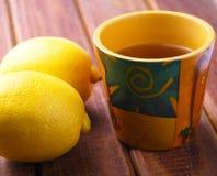 Tè e un limone Fotografia Stock