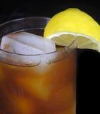 Tè ghiacciato con il limone Fotografie Stock