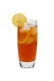 Tè ghiacciato con le fette del limone Fotografia Stock