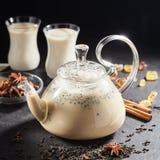 Tè indiano con le spezie Immagini Stock
