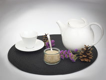 Tè o caffettiera e tazza bianco Immagine Stock Libera da Diritti