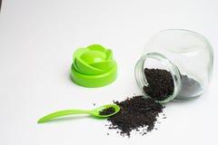 Tè per salute, foglie di tè asciutte naturali, fotografia stock libera da diritti