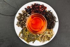 Tè sano della frutta in un vaso di vetro Fotografia Stock Libera da Diritti