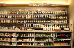Tè in serie in supermercato Fotografie Stock
