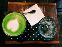 Tè verde caldo del latte Immagini Stock
