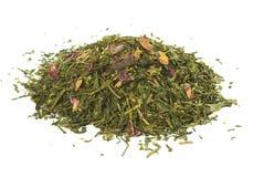 Tè verde con i petali di rosa, allentato, solated Immagine Stock