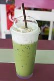 Tè verde ghiacciato del latte lattico Fotografie Stock
