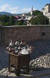 Té, café, turco, artes, recuerdo, mezquita, alminar, Mostar, Bosnia, Herzegovina, Europa, Islam, religión, lugar de culto imagen de archivo libre de regalías
