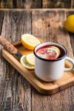 Té caliente de la fruta con las rebanadas del limón Fotografía de archivo libre de regalías