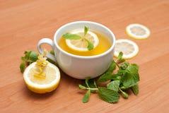 Té con la menta y el limón Imagen de archivo