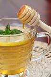 Té con la miel y el limón Fotografía de archivo