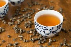 Té con las tazas de té Foto de archivo libre de regalías