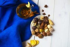 Té del jengibre con el caramelo del limón Imagen de archivo libre de regalías