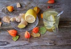 Té del jengibre con el limón y la miel Foto de archivo
