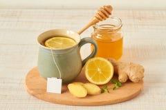 Té del limón con la miel y el jengibre Foto de archivo