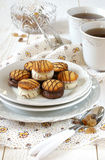 Té para dos con las galletas del chocolate Imágenes de archivo libres de regalías
