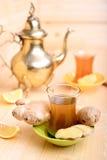 Té turco con el jengibre y el limón Imagen de archivo libre de regalías