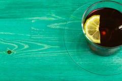 Té un limón y una cal Foto de archivo