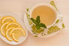 Té verde con la menta y el limón Fotos de archivo