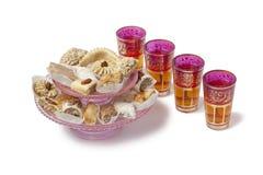 Té y galletas marroquíes de la menta Fotografía de archivo