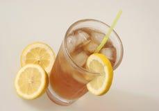 Té y limón de hielo imagenes de archivo