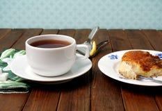 Té y torta Brunsviger Imagenes de archivo