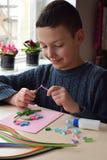 Técnica de Quilling Artes hechos a mano el día de fiesta: ` S del cumpleaños, de la madre o día del ` s del padre, el 8 de marzo, Imágenes de archivo libres de regalías
