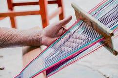 Técnica de tecelagem, Jalietza, Oaxaca, México 18 de maio de 2015 Foto de Stock Royalty Free