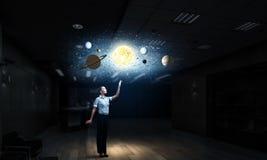 Técnicas mixtas del científico de la astronomía de la mujer Imagen de archivo