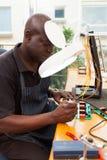 Técnico africano superior fotos de stock royalty free