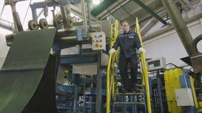 Técnico Controls Conveyor com borracha do pneu video estoque