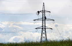 Técnicos em um pilão #4 da eletricidade Imagens de Stock Royalty Free