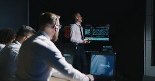 Técnicos que pasan por alto la misión de Marte