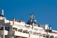 Télécommunication et antennes mobiles Photo libre de droits