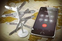 Télécommunication mondiale, appels à l'étranger, errant le concept Phone mobile Image stock