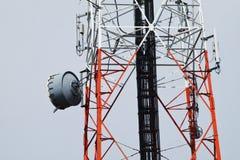 Télécommunication, tour de radiodiffusion Photo stock