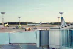 Télémètre radar d'AÉROPORT de DOMODEDOVO, RUSSIE - 28 mai 2017 : Aéroport de Domodedovo le 28 mai 2017 à Moscou, Russie Aéroport  Photo stock