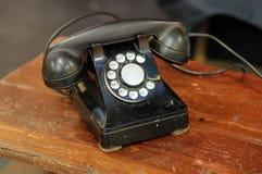 Téléphone antique de cadran rotatoire Images libres de droits
