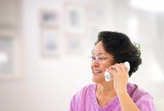 Téléphone appelle heureux Photographie stock libre de droits