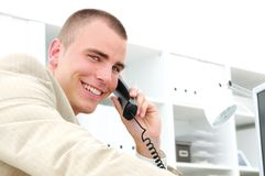 Téléphone d'homme d'affaires image stock