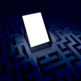 Téléphone dans le labyrinthe foncé Image libre de droits