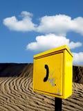 téléphone de secours au désert Images stock