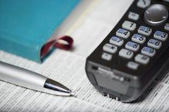 Téléphone et crayon lecteur Images stock
