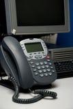 Téléphone et ordinateur de Digitals Photographie stock libre de droits