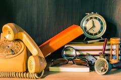 Téléphone et stationnaire photos libres de droits