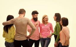 téléphone noir de récepteur de concept de transmission Jeunesse, amis et parler de couples Les jeunes dépensent des loisirs ensem photo libre de droits