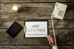 Téléphone ou service d'assistance de SOS pour des personnes dans la crise ou le désespoir personnelle Image stock