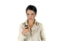téléphone portable d'affaires utilisant la femme Photos libres de droits
