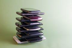 téléphones intelligents d'†d'E-déchets « Photos libres de droits